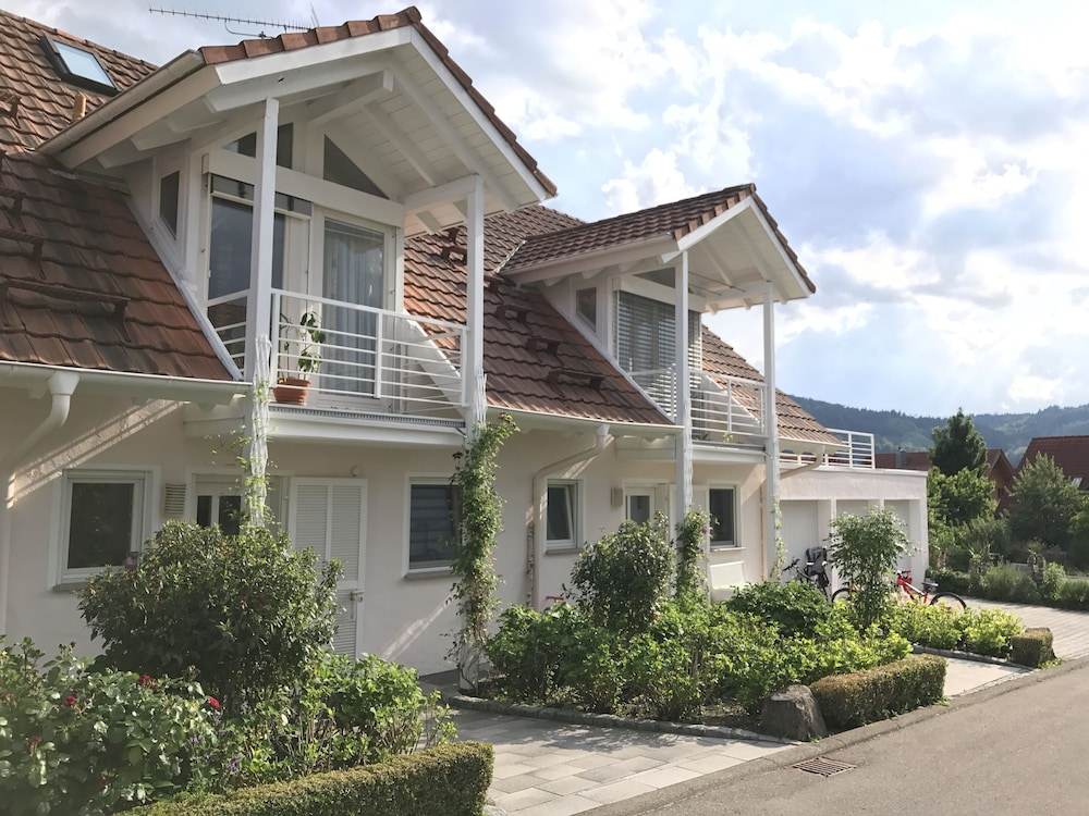 Time Out On Lake Constance Beautiful Well Maintained 3 Room