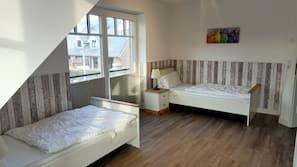 4 Schlafzimmer, Bügeleisen/Bügelbrett, WLAN