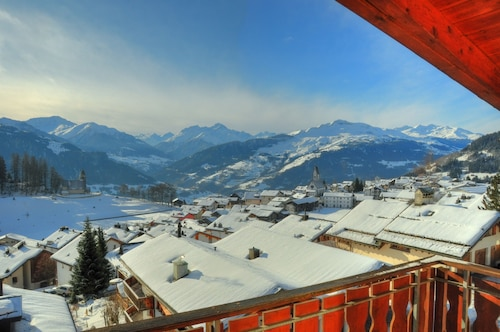 2.5 Room Roof Apartment in Falera With Stunning View, Additional Gallery