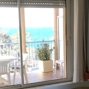 Studio in Collioure, With Wonderful sea View and Furnished Balcony - 2 km From the Beach