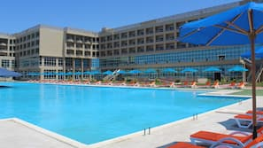 Seasonal outdoor pool, open 8:00 AM to 6:00 PM, cabanas (surcharge)
