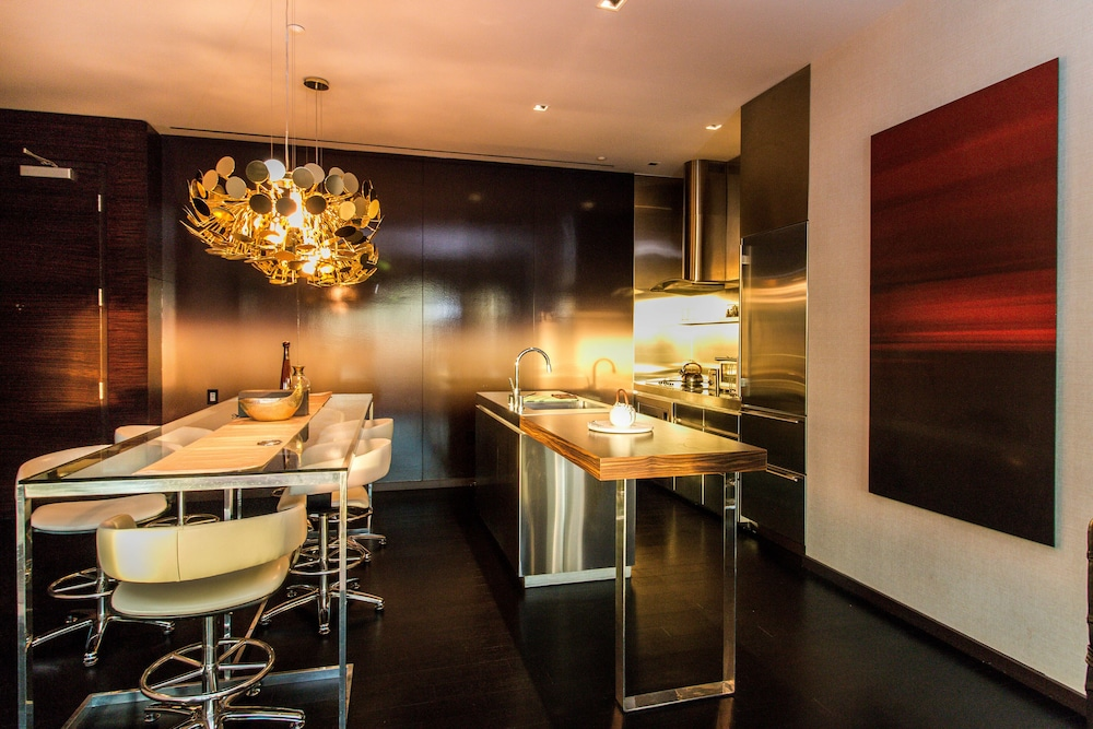 Private Kitchen, Dream Penthouse 500 Feet IN THE AIR