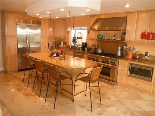 Huntington Beach Executive Home 500 Feet From Beach/downtown -cancellations Free