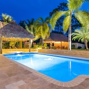Jupiter-4br Pool Home+1 BR Guest House. Only 200 ft to Sister Prop. 1050535