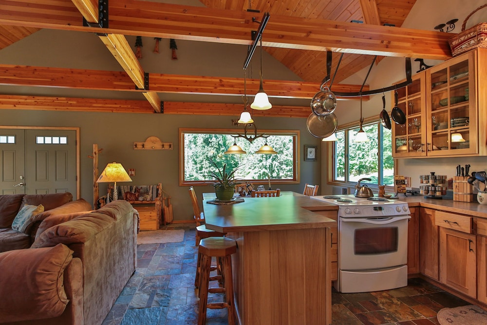 Private Kitchen, Antler Hideaway - a Luxury Mountain Cabin