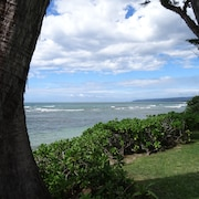 Classic Hawaiian Beachfront Home-mokuleia