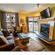 Outstanding 2BR in River Run. Fully Stocked, Steps From Gondola and Shopping