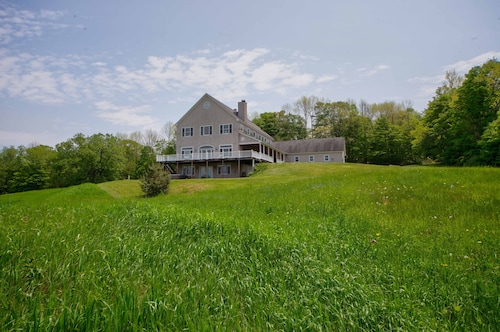 55 Acre Estate Just Minutes From the Woodstock Green