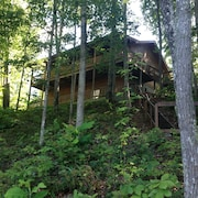 Log Cabin/horse Trails/hiking/biking/serenity And Much More!