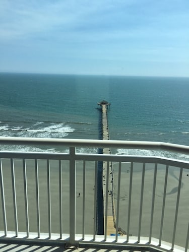 Oceanfront Penthouse Suite - Prince Resort
