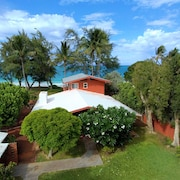 Wonderful Waimanalo Beach House Right on Long Sandy Beach! Amazing Ocean Views!