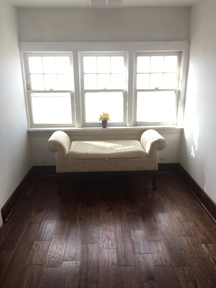 Room, Historic Farmhouse Near Springfield, MO
