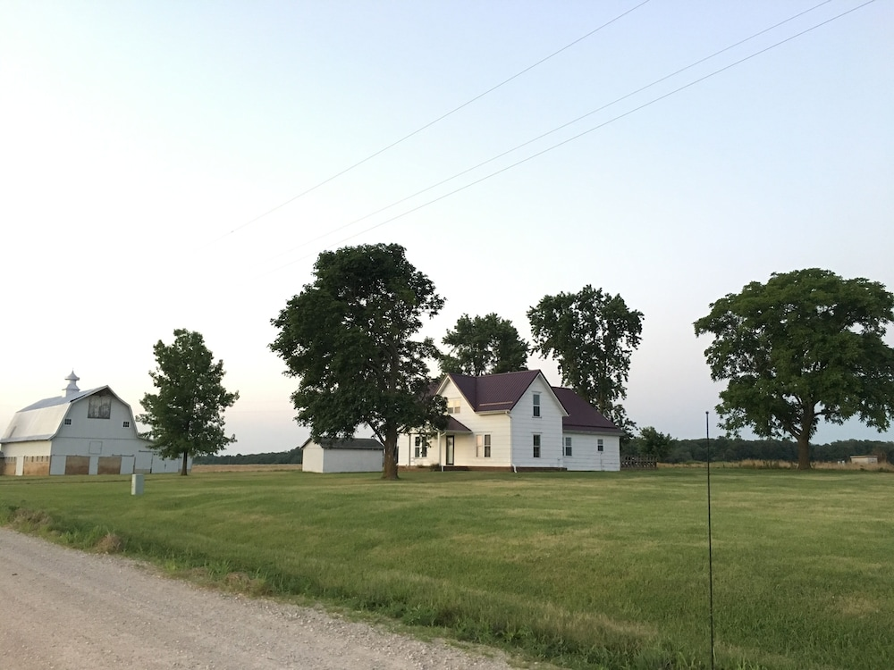 Property Grounds, Historic Farmhouse Near Springfield, MO