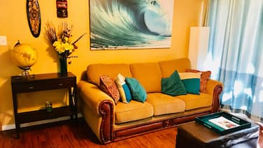 2 Bedroom Fully Furnished and all Included in Downtown Kona With Swimming Pool