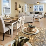 In the Heart of Margate! Gorgeous Remodeled 2 bd, 1ba, 2nd Floor Condo