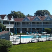 Ogunquit Summer Fun Condo With Pool By The Beach