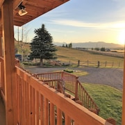 EZ Breezy, Bozeman Country Cottage,