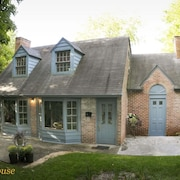Carriage House mit Charme in Quiet Historic District