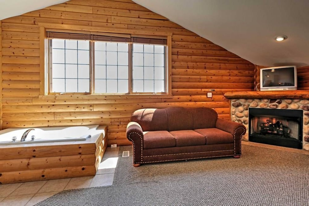 Luxury Starved Rock Cabin With Table Tennis And 4k Tv In