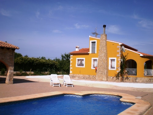Villa Benibrai. Private Pool, A/a, Wifi, 3 Bedrooms