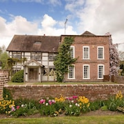 Grade II Listed 17th Century Manor House in Herefordshire Village