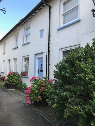 4 Evans Terrace Beautiful Cottage in the Heart of Aberdovey! Free Parking Permit