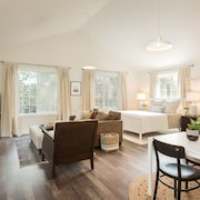 Lovely Studio/guesthouse in Lake Oswego