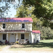Rocky Bar Retreat - 3 Bedrooms, 2 Full Baths, Located On Shenandoah River