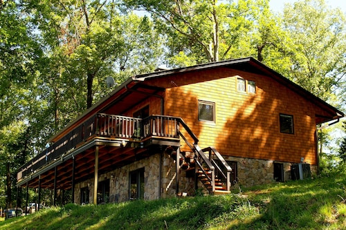 KY Lake Arts & Crafts Cedar Shake Home - Private Dock/on-site Boat Rentals