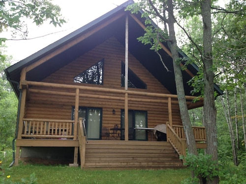 3 Bedroom, 2 Bathroom Executive Log Home on Northwood Hills Golf Course