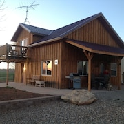 Enjoy Cabin on Working Farm! 1 hr. to Telluride, 1.5 Hrs. to Moab, Utah