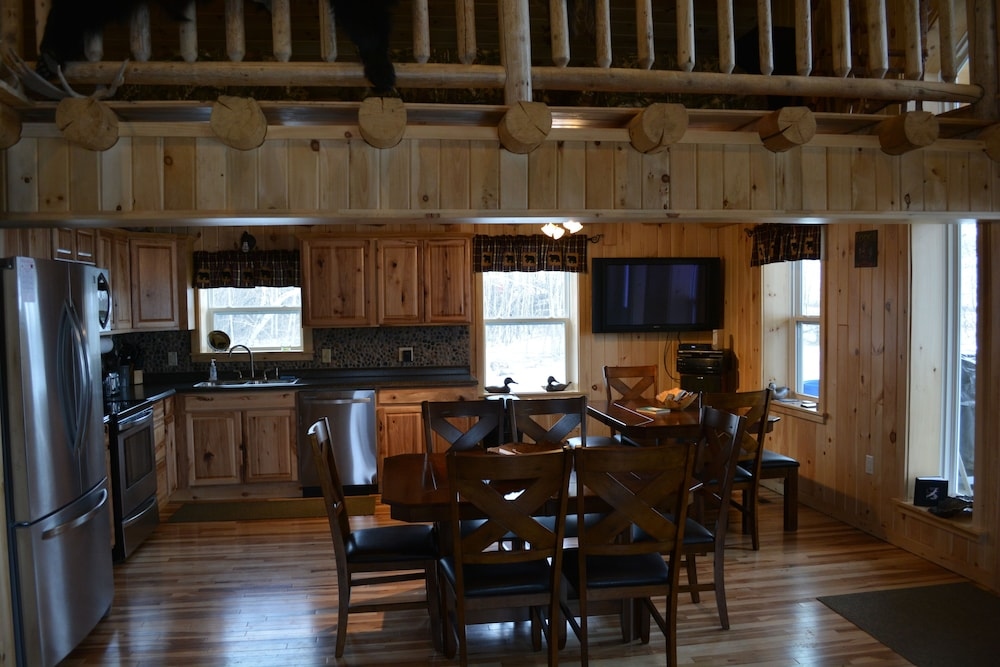 Featured Image, Country Style Log Cabin Retreat With All Of The Amenities