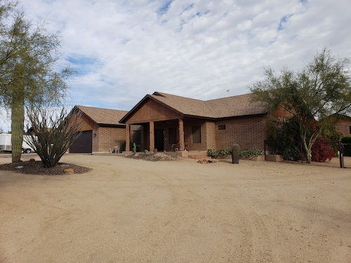 Pool/hot Tub, 1 Acre Horse Stalls, Sand Volleyball, Poker, Pool Table..