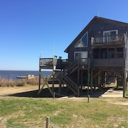 3 Bedroom Sound Front, With Amazing Views, Windsurfing , Dock, 2 Decks,