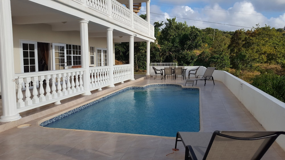 Pool, Private & Luxurious, Solar Heated Pool, Spectacular View, Cook