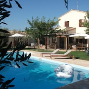 Villa With Private Pool AND Hydromassage 10 Minutes From THE SEA