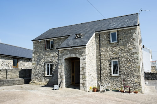 Rural Modern Holiday Home Sleeps 10+ People. Large Familys or Business Traveller