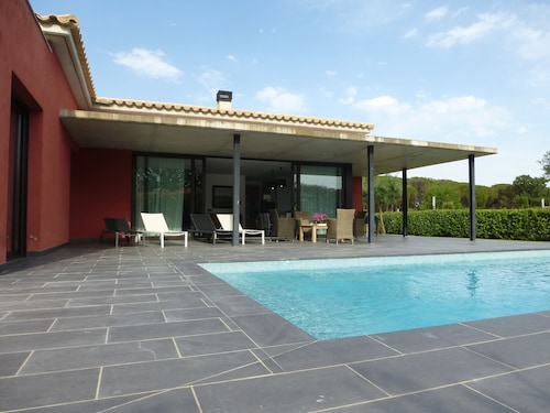 Contemporary Villa With Pool in Golf Emporda 2 km From the Beach