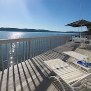 Tide's End Beach House - ON THE Water - North Shore of Hood Canal