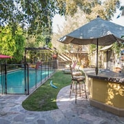 Beautiful Spacious House With Best Pool for Kids in the Valley !