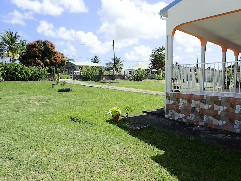 Property Grounds, Marie Galante Vacance