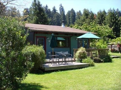 Vacation House in the Redwoods in Eureka | Hotel Rates