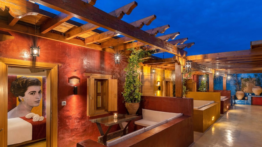 10GR Hotel and Wine Bar - Adults Only