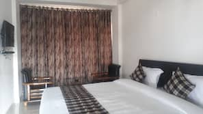 Memory-foam beds, in-room safe, blackout curtains, bed sheets