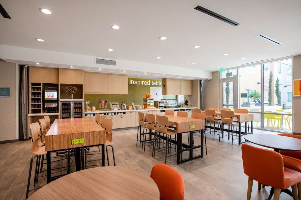 Breakfast Area, Home2 Suites by Hilton Carlsbad, CA