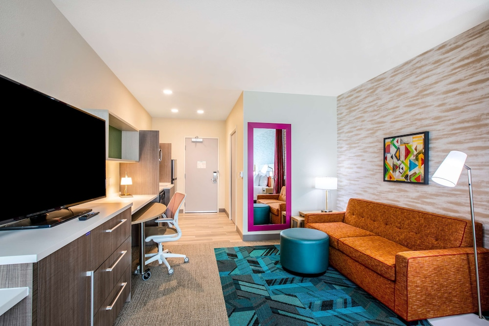 Room, Home2 Suites by Hilton Carlsbad, CA