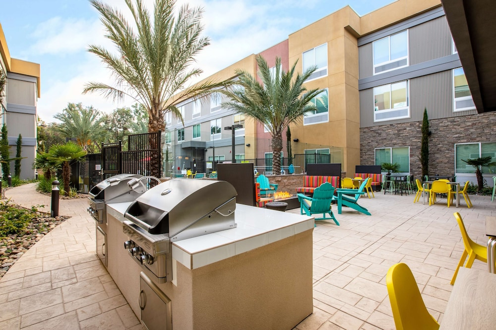 Terrace/Patio, Home2 Suites by Hilton Carlsbad, CA