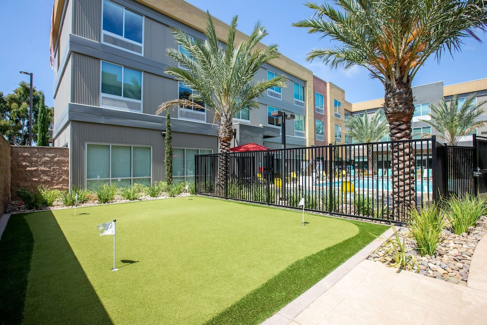 Sport Court, Home2 Suites by Hilton Carlsbad, CA
