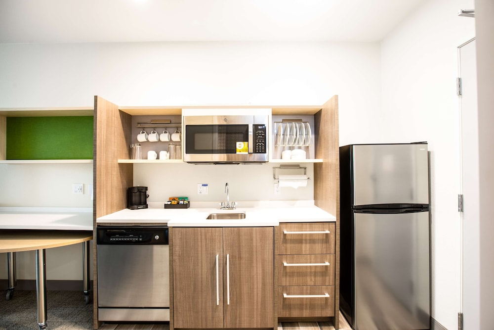 Private Kitchen, Home2 Suites by Hilton Carlsbad, CA
