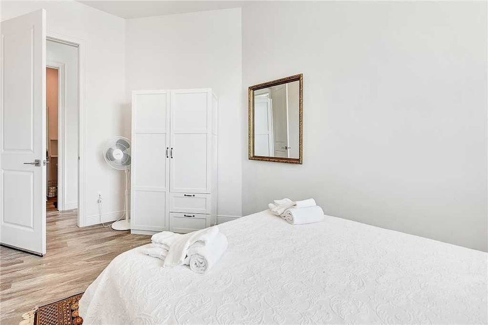 Condo, 2 Bedrooms, Balcony - Guestroom
